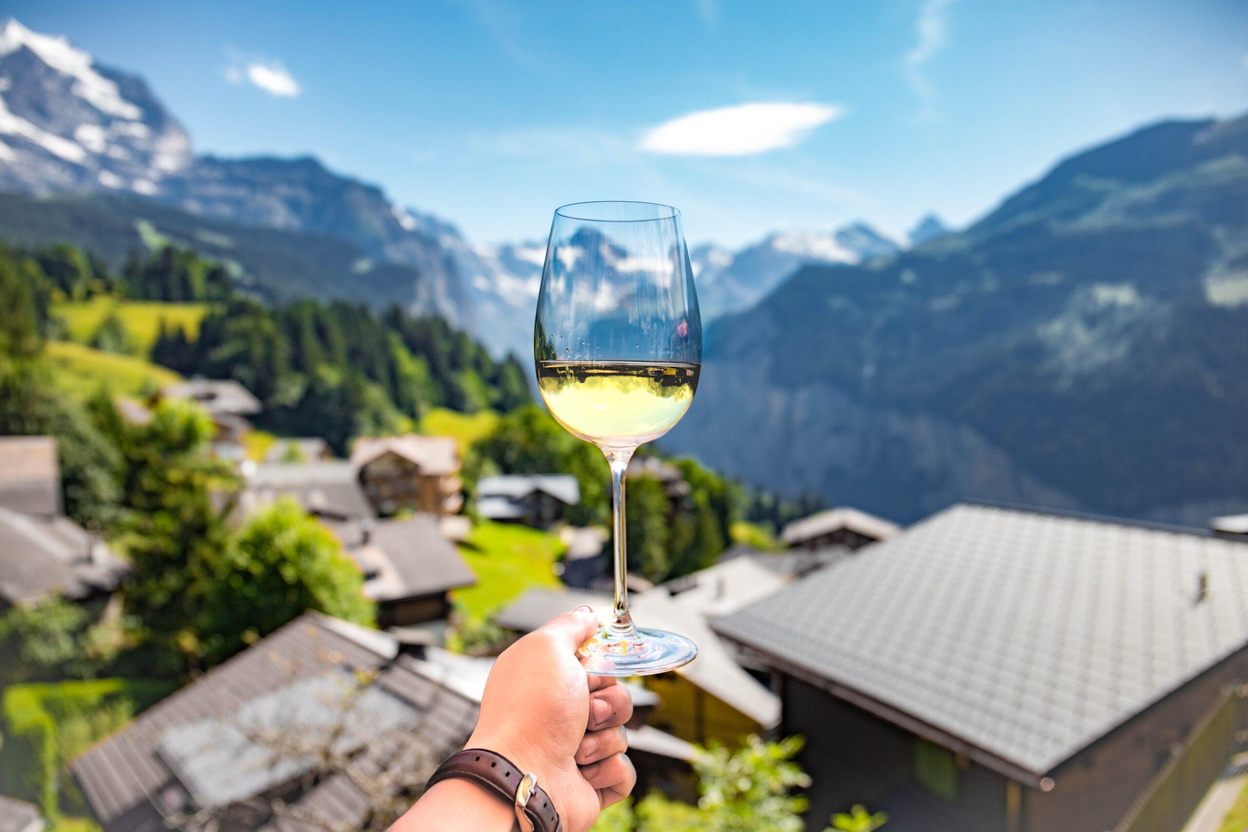 Hvidvin lavet på grønne druer